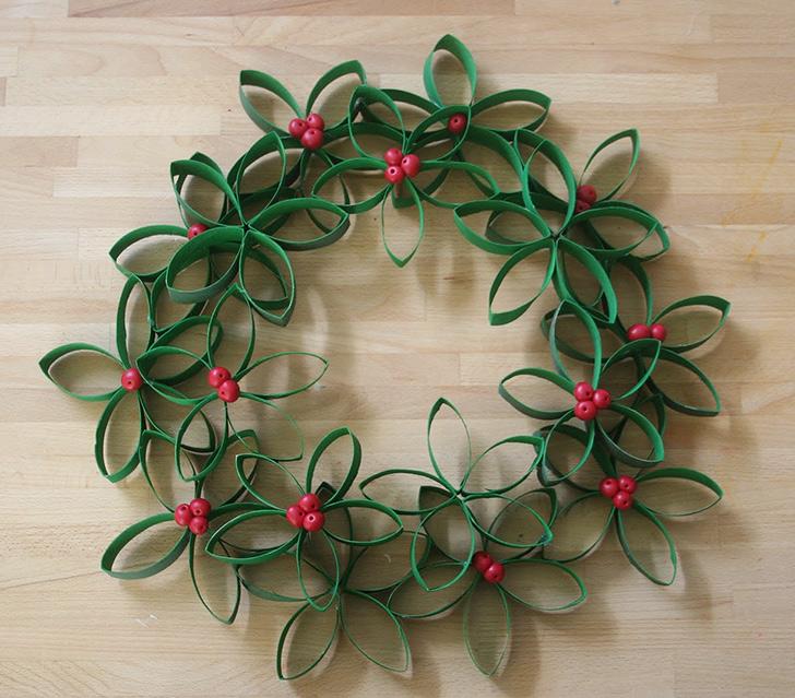 [CHRISTMAS ECO-FESTIVE HUB]: Trang trí đêm Giáng sinh bằng .... lõi vệ sinh